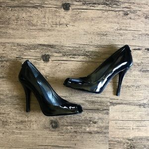 Stuart Weizmann Lillie in Black Patent Leather